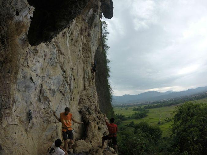 Ett av våra uppdrag vid dagens klättring! One of our missions for todays climbing!