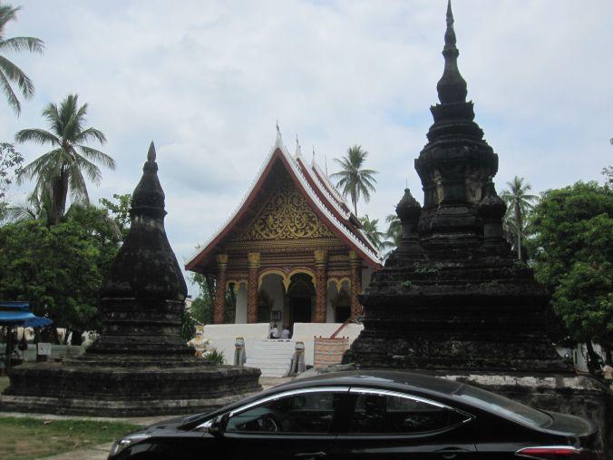 Det finns många tempel här i Luang Prabang. Här är Vat Aham! There are many temples in Luang Prabang! Here is Vat Aham!