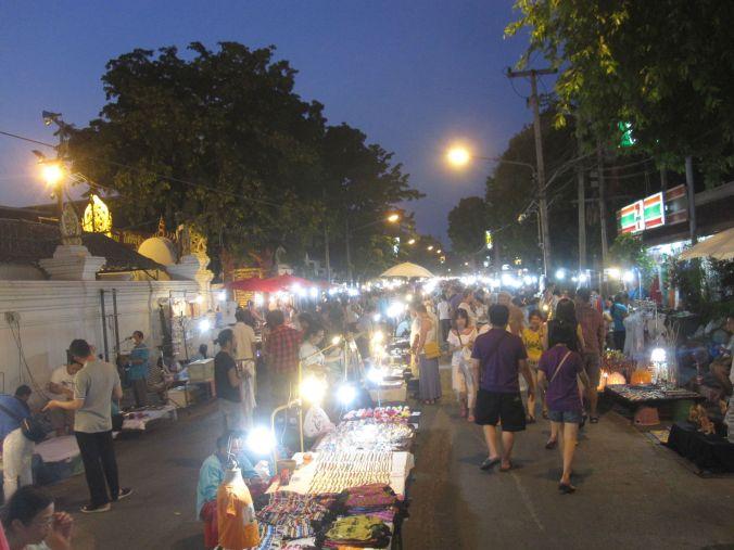 Hittade en mysig nattmarknad här också! Found a cozy night market here too!