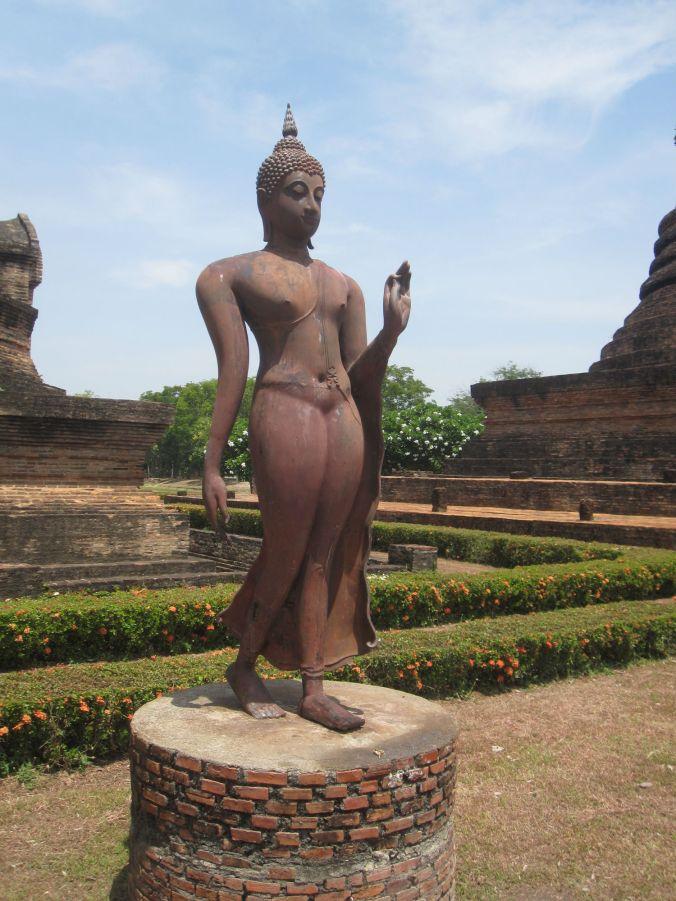 En Buddha i mjukare form! I denna park hittar man massor med variationer på hur buddha gestaltas! A Buddha in softer form! In this park you will find lots of variations on how the Buddha is portrayed!