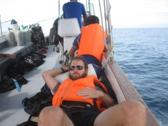 Pontus passade på att vila också! Pontus took the opportunity to rest too!