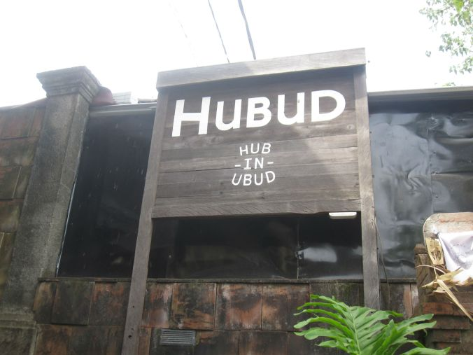 En hub för expats (och lokalbefolkning) som stannar i Ubud för att arbeta! A hub for the expat community (and locals) that stay and work in Ubud!
