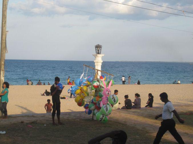 Samling vid vattnet på eftermiddagen! People gathering at the waterfront in the afternoon!