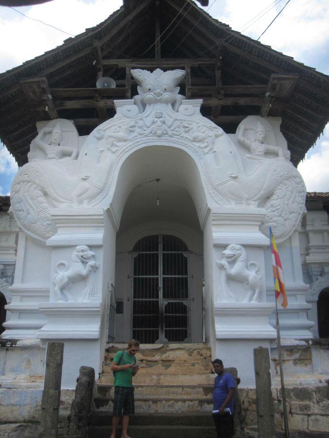 Lankathilakatemplet! The Lankathilaka temple!