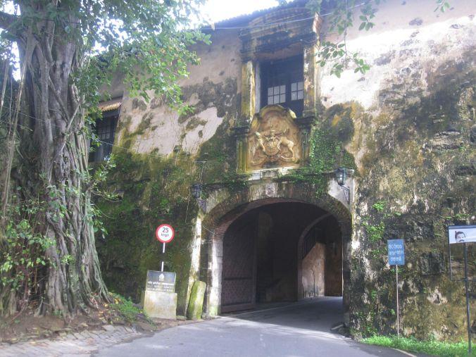 Ingången till Fort Galle! The entrance to fort Galle!