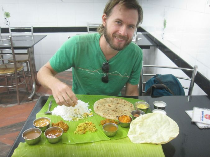 """Kerala meals"" med massor med små rätter! ""Kerala meals"" with lots of small dishes!"