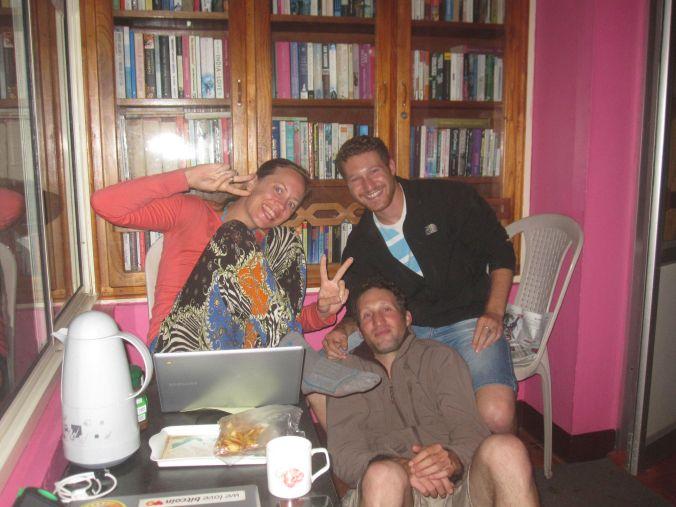 Vi hängde med två israeliska bröder, Yahel och Yishai, som var supertrevliga. De är också ute på resa (fast på varsitt håll) och så bestämde de sig för att möta upp varandra i Indien! We hung out with two Israeli brothers, Yahel and Yishai, who was super friendly. They are also on a journey (not together though) and they decided to meet each other in India!