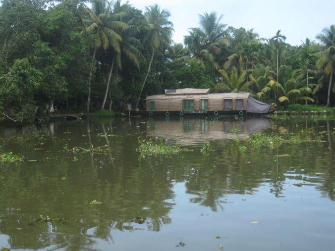 Anthonys fina ekologiska husbåt som du sova över i! Anthony's delicate ecological houseboat you can sleep over in!