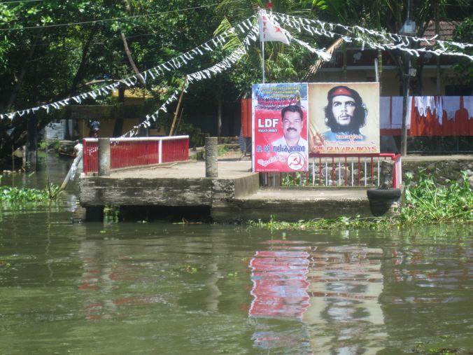 Kerala kryllar av kommunister och hyllningar av en mördare och pedofil ser man överallt! Kerala is full of communists and the tributes of a murderer and a pedophile can be seen everywhere!