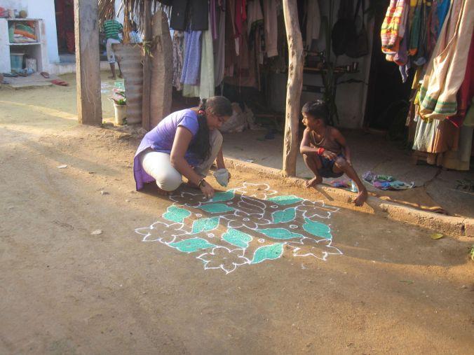 Lokalbefolkningen förberedde för en festival i Hampi! The locals prepared for a festival in Hampi
