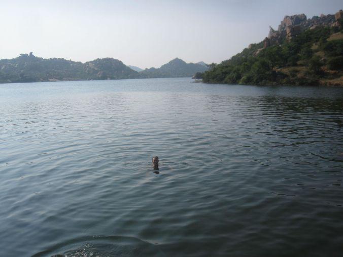 Ulrika vågade hoppa i vattnet den här gången också! Ulrika dared to jump in to the water this time too!