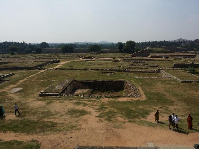 Utsikt över ruinerna av det kungliga palatset! Overlooking the ruins of the royal palace!
