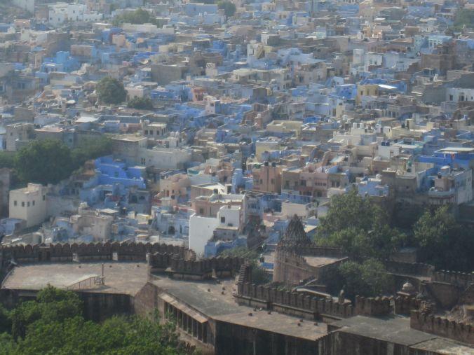 Den blå staden! The blue city!