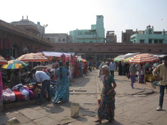Sardarmarknaden! Sardar market!