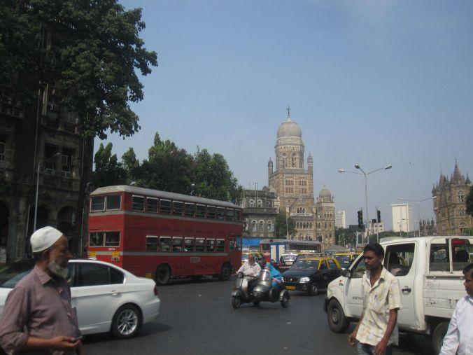 Det fanns röda dubbeldäckare här också! There were red double-decker buses here too!