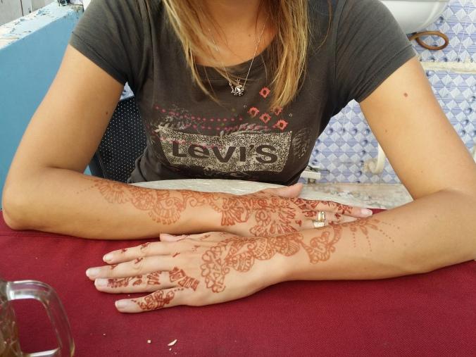 Ulrikas hennatatuering! Ulrika's henna tattoo!