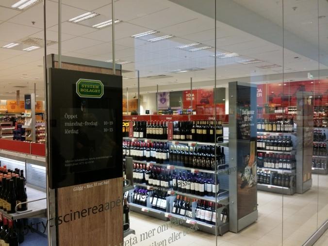 Så här ser ett alkoholmonopol med begränsade öppettider ut. This is what an alcohol monopoly with limited opening hours look like.