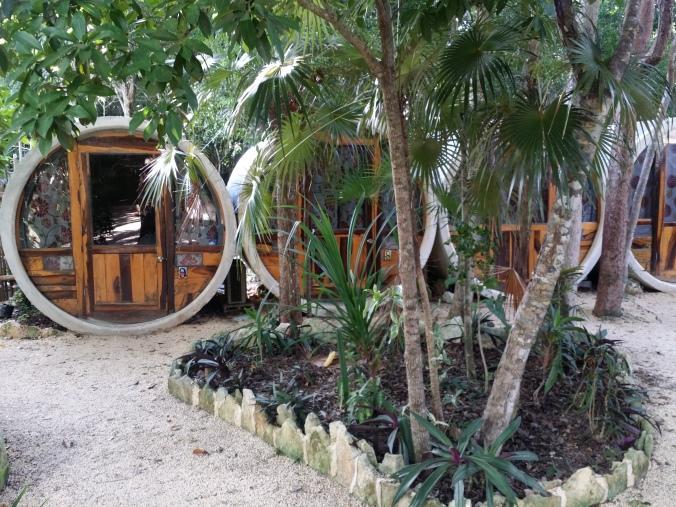 Detta blev vårt boende i Tulum och Maja var överlycklig :)! This was our accommodation in Tulum and Maja was overjoyed :)!