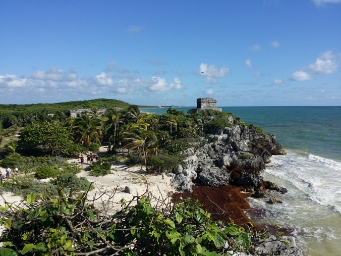 Det måste varit en imponerande syn för spanjorerna när de kom seglande längs Yucatankusten från Kuba! It must have been an impressive sight for the Spaniards as they sailed along the coast om Yucatan from Cuba!