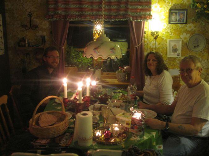 Middag hemma hos Ulla och Ulrikas pappa! Dinner at Ulla and Ulrika's father!