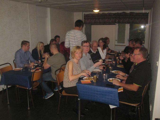 Ulrikas mamma hade lagat mat och fixat en släktträff! Ulrika's mother had cooked food and arranged a family reunion!