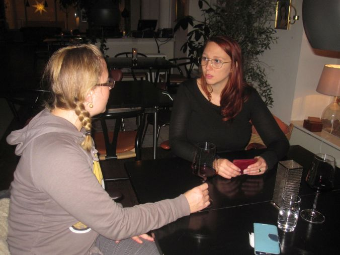 Hänga en stund på Storan med Ullis och Linda S! Hang out for a while at Storan with Ullis and Linda S!