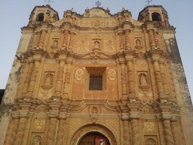 Santo Domingokyrkan grundad av Dominikanorden. The Santo Domingo church founded by the Dominican Order.