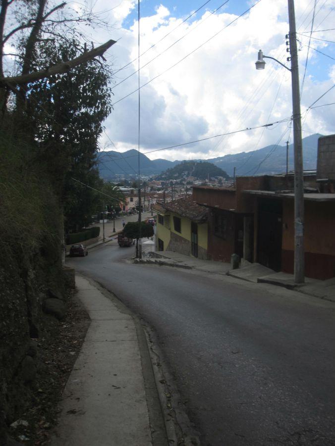 Det är rejäla backar i staden! There are steep hills in the city!